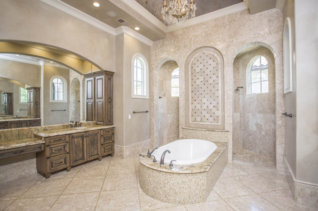 18Best_Master_Bathrooms_on_Lake_Norman