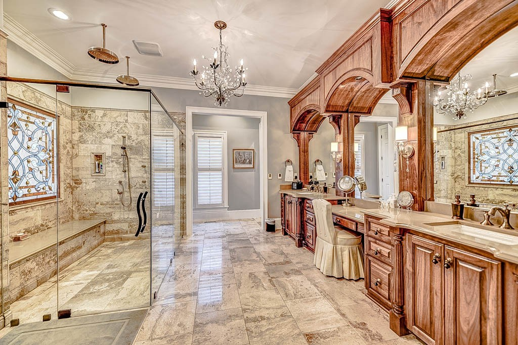 27Best_Master_Bathrooms_on_Lake_Norman